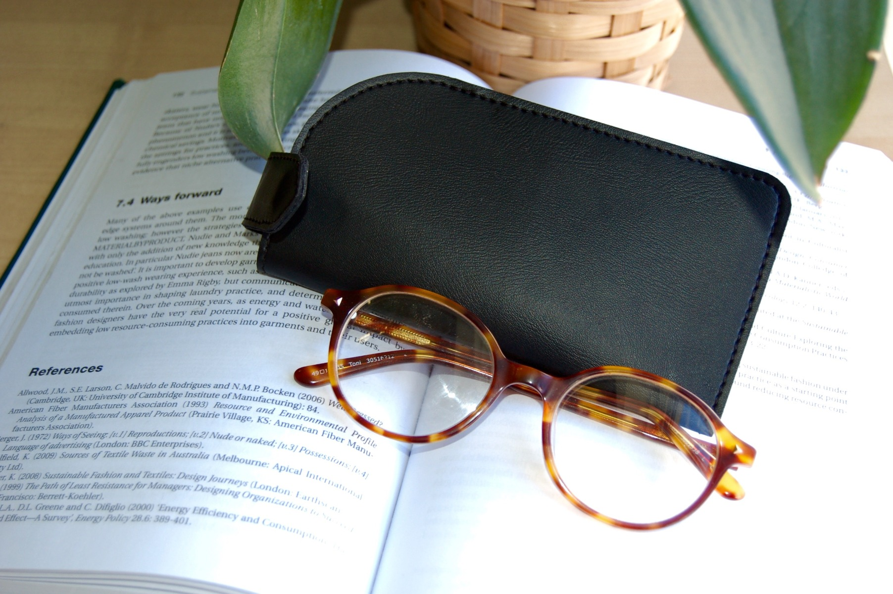 PU Vegan faux leather glasses sleeve